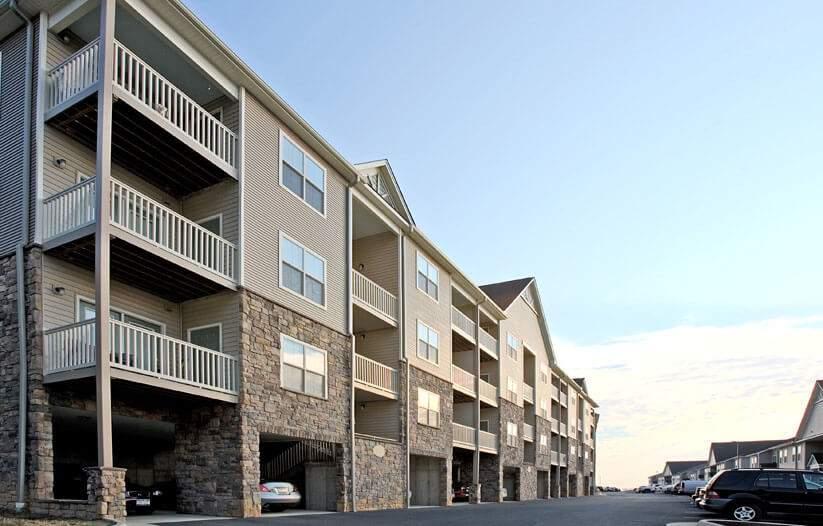Big Sky Staunton Apartments with Parking